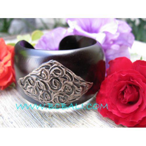 wooden bangle jewelr