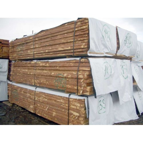 Oak sawn timber and