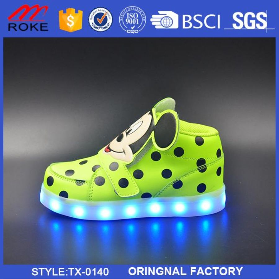 New Deisgn Mesh Upper Child Led Shoes Light Up Kids Shoes
