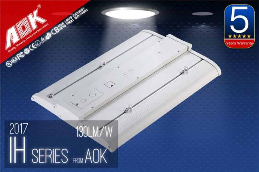 150W_DLC_Premium_Listed_150_Watt_Outdoor_LED_Parking_Lot_Light_Fixture_With_Type_III_Light