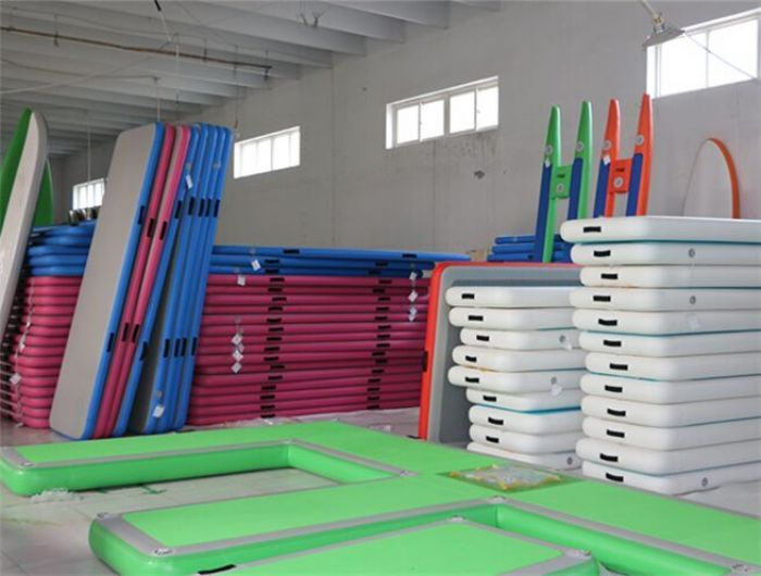 DWF_Material_Air_Track_Mat_For_Water_Gymnastic_Tumbling_Track_For_Sale