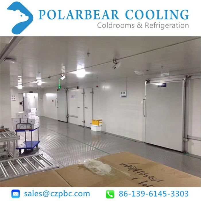 Professional walk in cooler used for wholesales