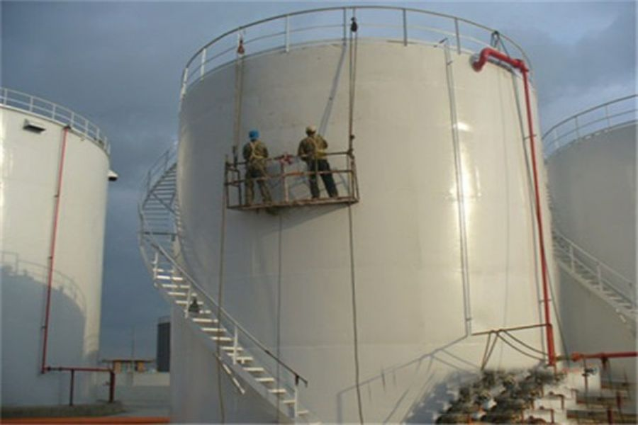 Poluyurea anti-corrosion material for storage tank