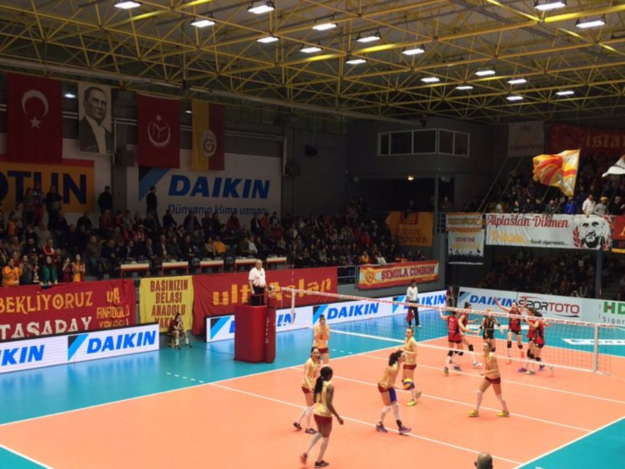 Galatasaray Bayan Voleybol Taçspor Salonu Saha İçi Reklam Çalışması