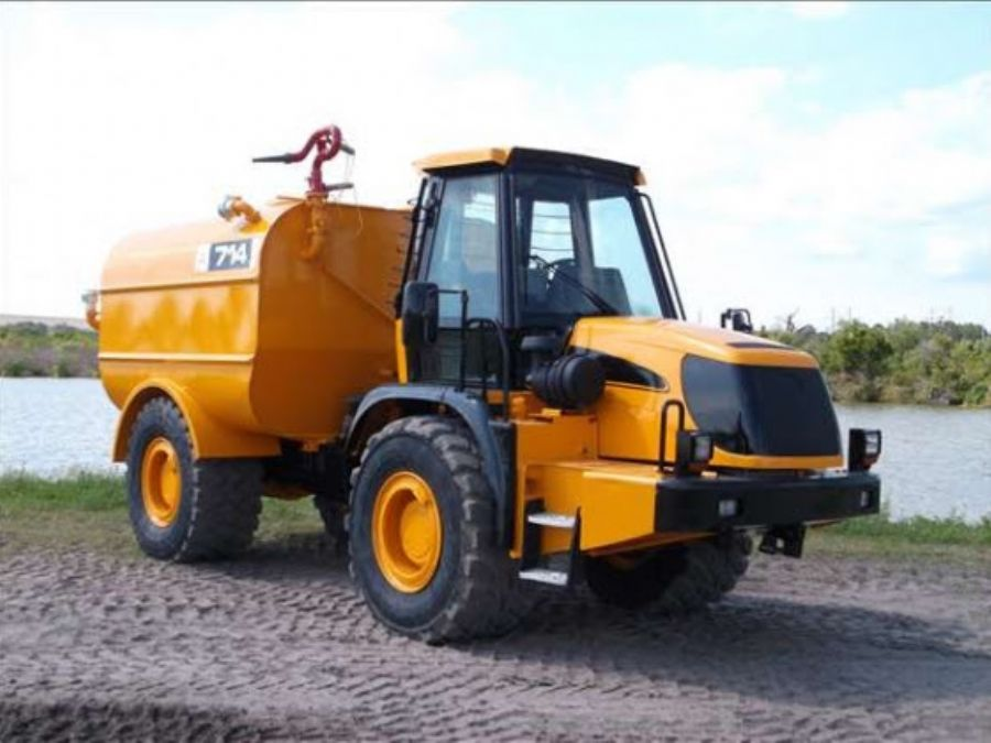 JCB 3000 Gallon Wate