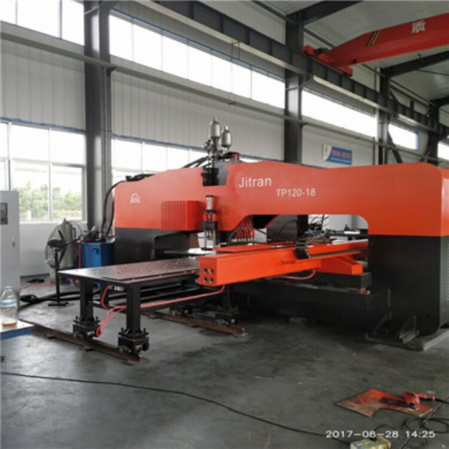 Hydraulic_Thick_Plate_CNC_Punching_Machine