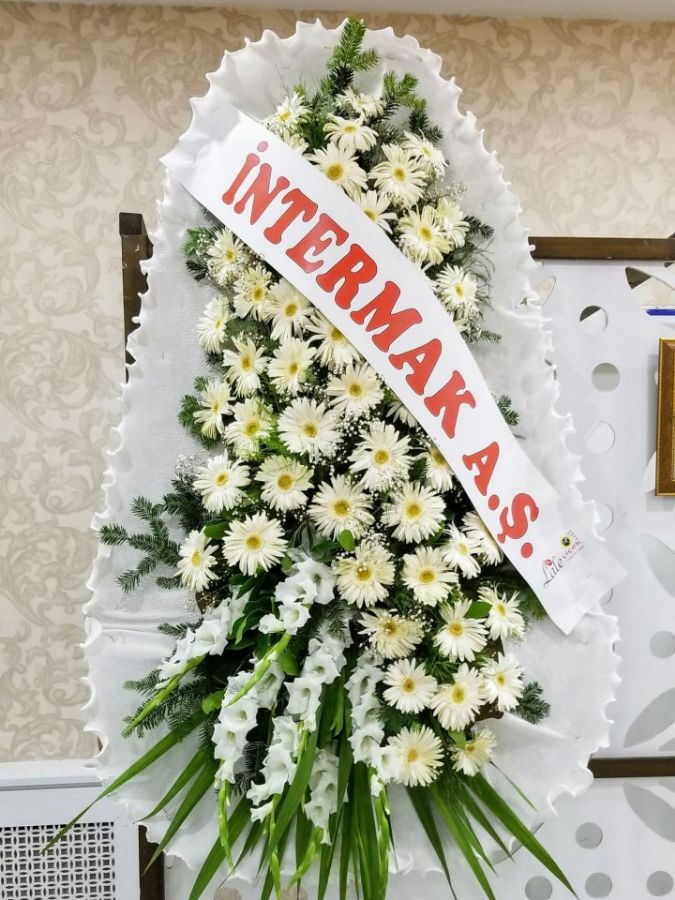 Beyaz Çiçekli Çelenk