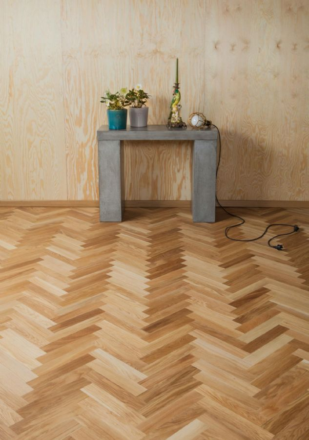 Herringbone parquet as click flooring